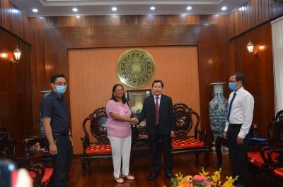 chủ tịch ubnd tỉnh đặng văn minh: yêu cầu chuyên gia y tế cuba sớm chuyển giao kỹ thuật cao cho bệnh viện sản- nhi tỉnh